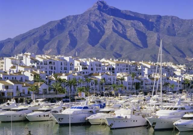 PuertoBanus-Marbella-Corbis.jpg