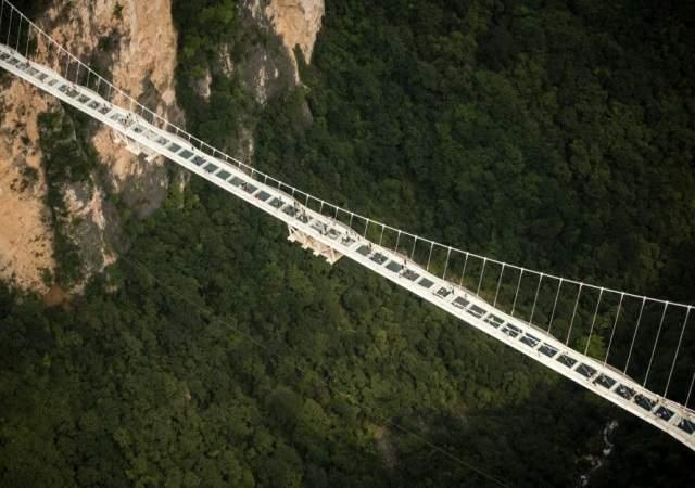 Vertiginoso puente de cristal