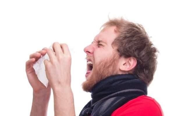 Los peligros de estornudar mal