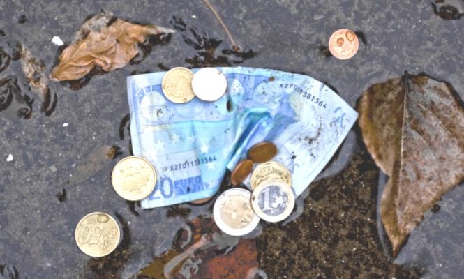 dinero-mojado.jpg