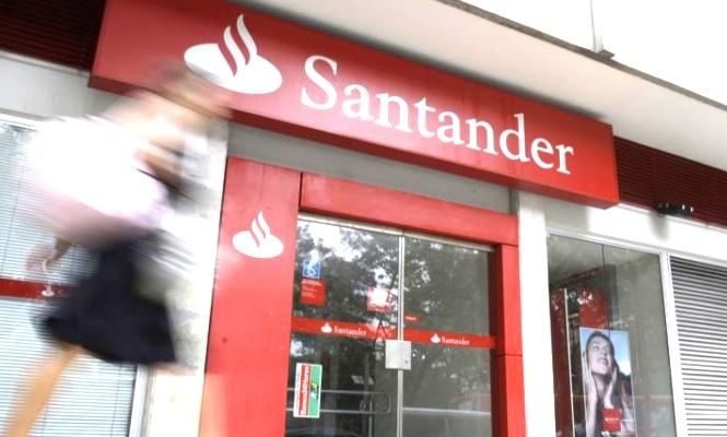 Santander debe ganar al menos millones en 2015 para for Oficinas banco santander en barcelona