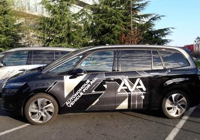 PSA prueba sus coches autónomos con conductores no expertos