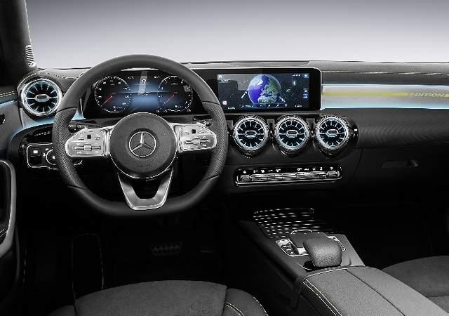 Mercedes-Benz revela el interior del nuevo Clase A: llegará en 2018