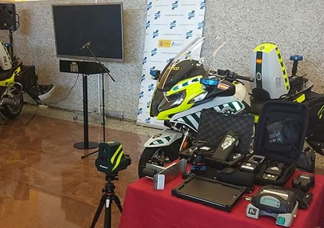 Así son las nuevas motos de la DGT con mini-radares y detectores de alcohol y drogas para Semana Santa