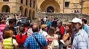 <center>El mes en que Cantabria dobló en turistas a Canarias marca la recuperación asimétrica</center>