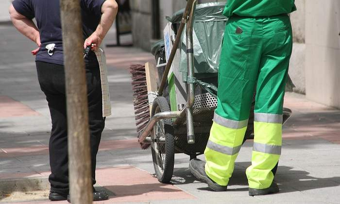 El pliego no puede obligar a contratar al personal de la anterior adjudicataria