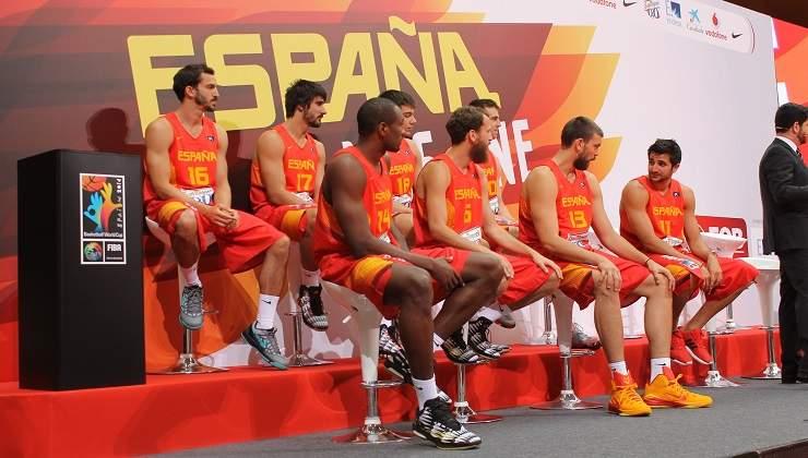 España pierde con Turquía y cede el liderato a Australia
