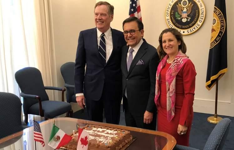 México y Canadá, optimistas con TLCAN; ministros se reúnen el martes