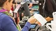 mujer-compra-tarje-fotoistock.jpg