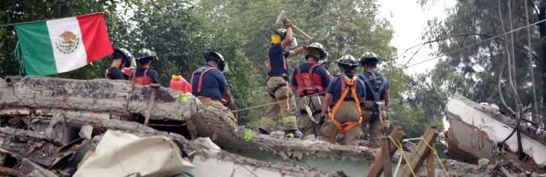 Miles reanudan actividades tras sismo, otros esperan ayuda en calles