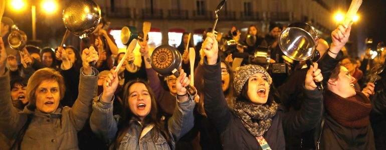 Mujeres-manifestacion-7M.jpg