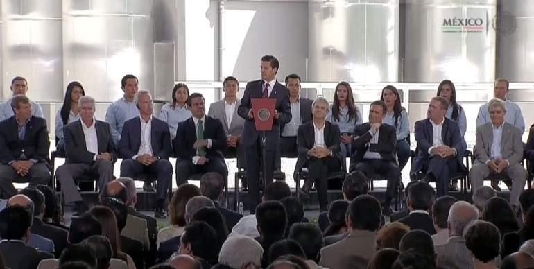 Pese a desaceleración en el mundo, México crece: Peña Nieto