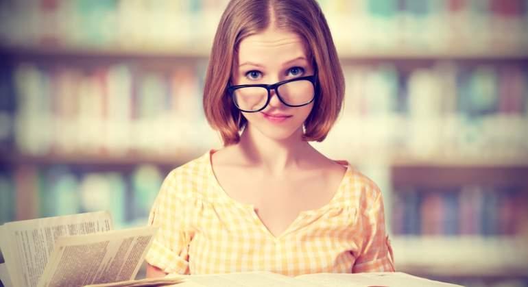 estudiante-libro-gafas-dreams.jpg