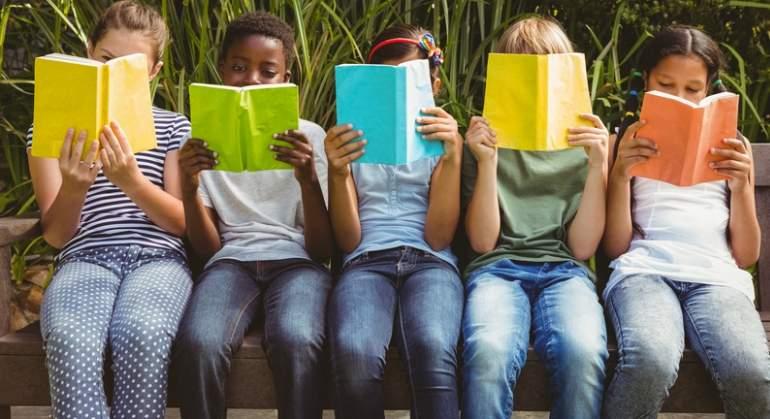 ninos-deberes-libros-dreams.jpg