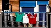 italia-camisetas-balcon-efe.jpg