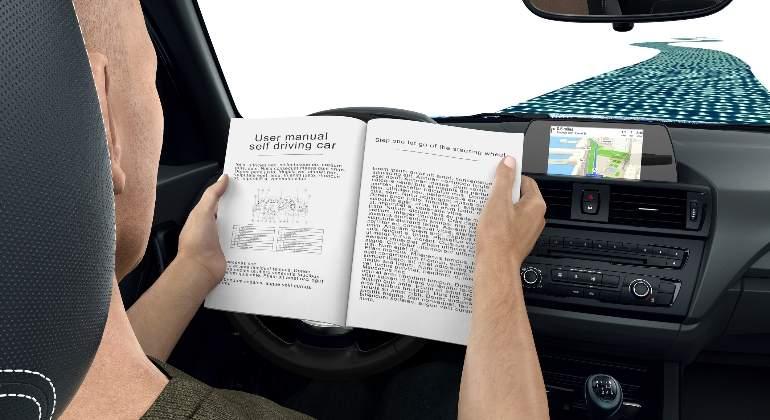 coche-autonomo-conductor.jpg