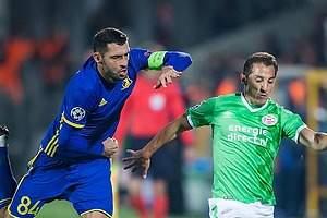Con Moreno y Guardado, PSV iguala ante el Rostov