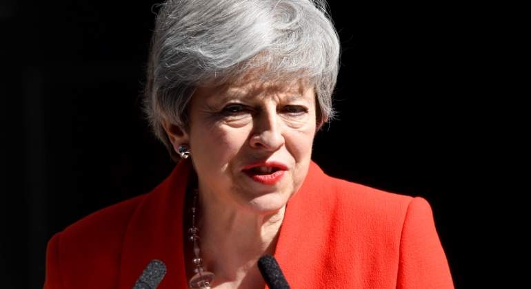 may-theresa-dimision-clara-reuters.jpg