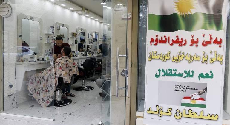 kurdistan-cartel-llamando-votar-efe.jpg