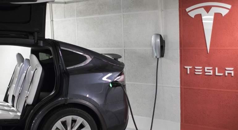 Tesla-bloomberg-770.jpg