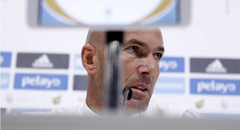 Zidane-RP-contrapicado-2017-efe.jpg