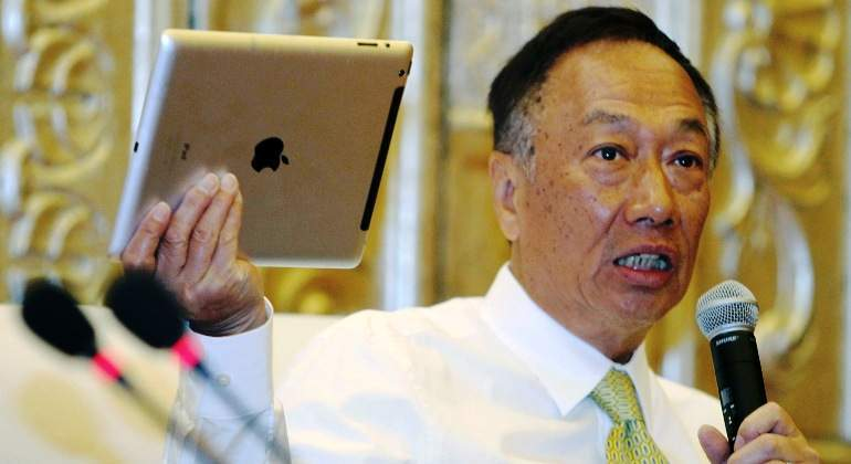 terry-gou-foxconn-apple-ipad-taiwan-reuters.jpg