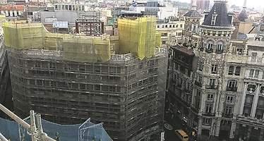 El millonario indio Mohinani busca comprador para el hotel W de Madrid