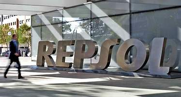 Repsol negocia la venta a Gazprom del 50% de un pozo