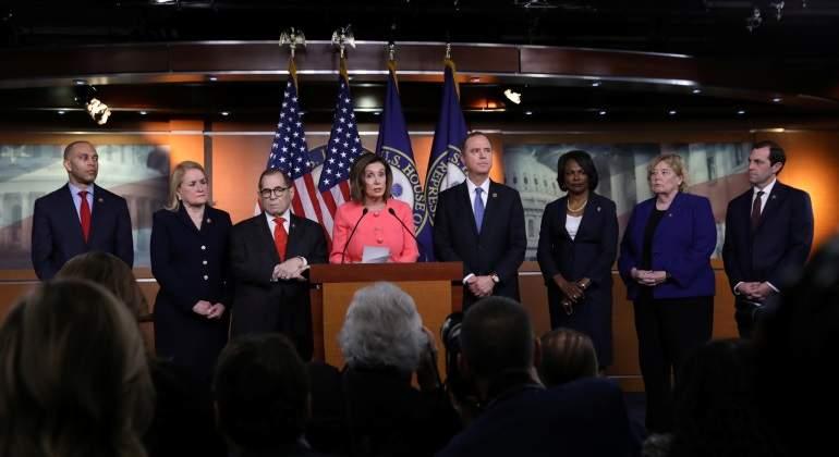 La presidenta del Congreso de EEUU nombra a los fiscales para iniciar el juicio a Trump