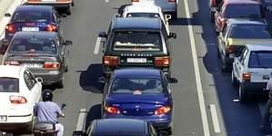 Barcelona multará a los coches sin etiqueta de la DGT que circulen con alta contaminación