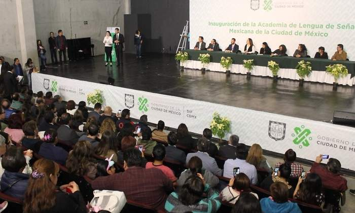 Cdmx Inaugura Primera Academia De Lengua De Señas Mexicana