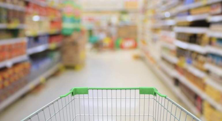 comprar-supermercado-carro-minoristas-istock.jpg