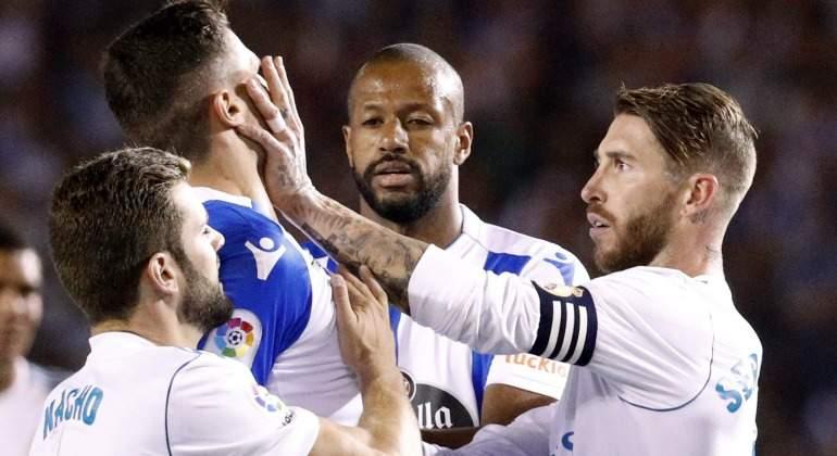 Ramos-manotazo-Schar-2017-EFE-Deportivo.jpg