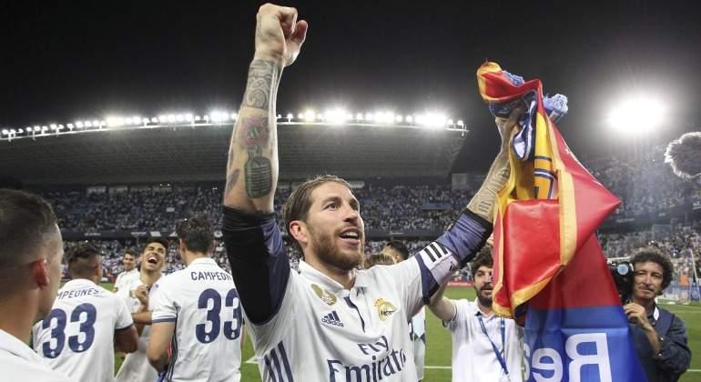 Sergio-Ramos-celebra-Liga-Rosaleda-2017-EFE.jpg