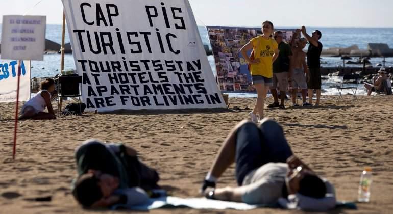 turismofobia-barcelona-playa-reuters.jpg