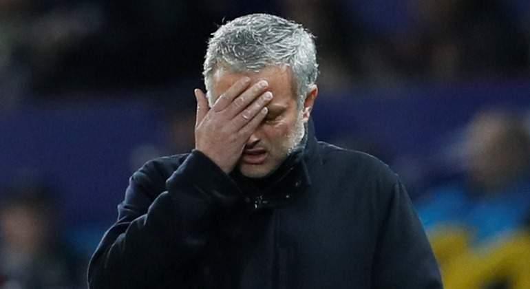 Mourinho-tapa-cara-2018-United-Sevilla-reuters.jpg