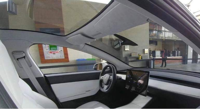 tesla-model3-interior.jpg