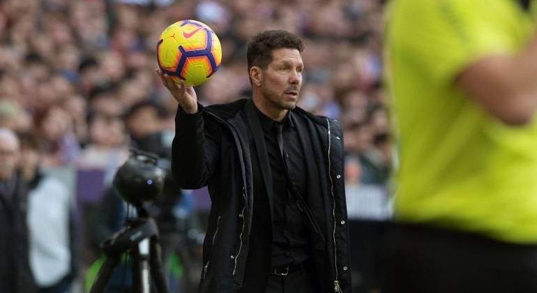 simeone-2019-balon-derbi-efe.jpg
