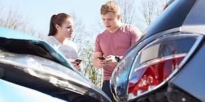 Los menores de 26 años pagan un 132% más por el seguro de coche