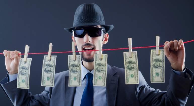 mafioso-dolares-tender-770-dreamstime.jpg