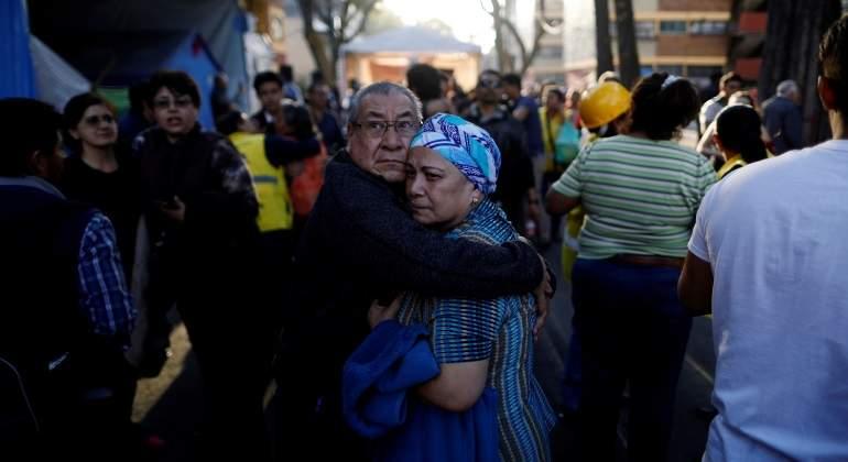terremoto-mexico-febrero-abrazo-770x420-reuters.jpg