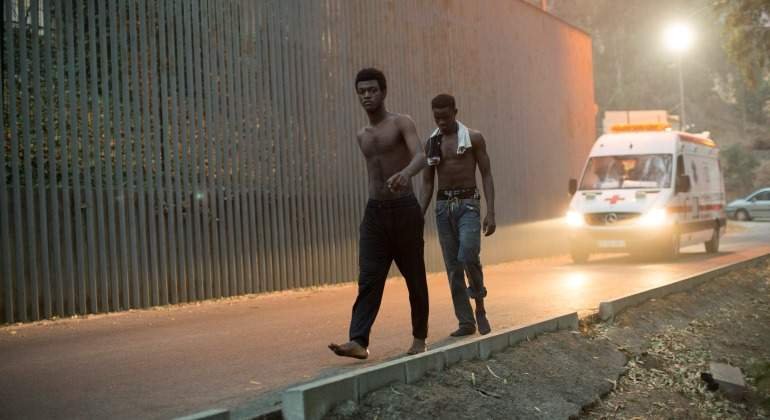 Ceuta-Inmigrantes-ambulancia-2017-reuters.jpg
