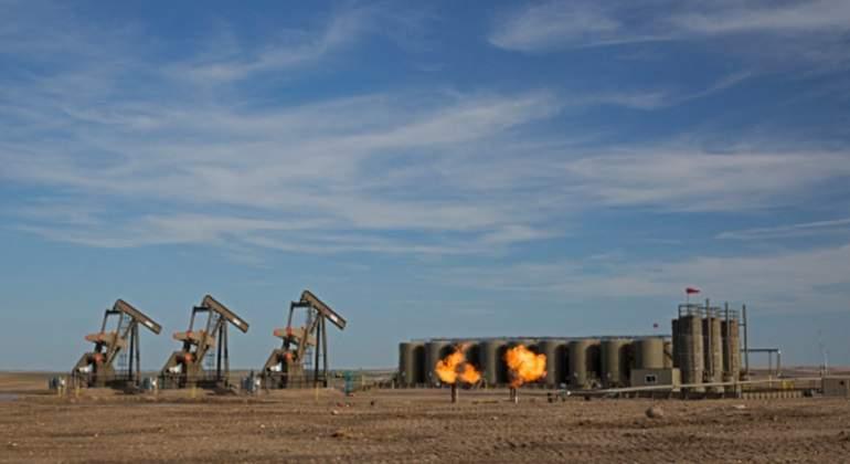 petroleo-fuego.jpg