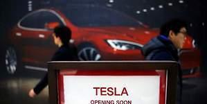 Tesla fabricará automóviles en China para reducir sus costos