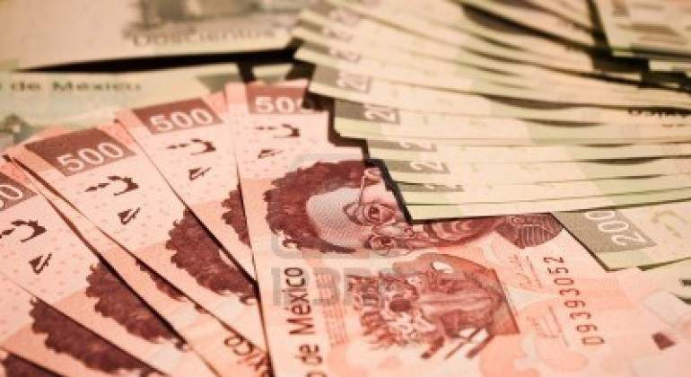 Investigan a 7 bancos por manipulación en mercado de bonos en México