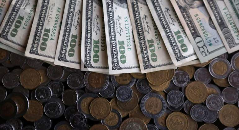 Dolares-pesos-dinaero-770.jpg