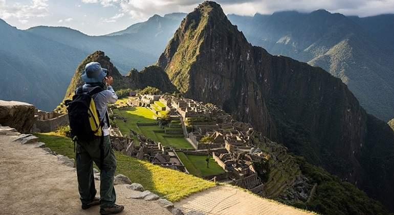 Turista-en-Machu-Picchu.jpg