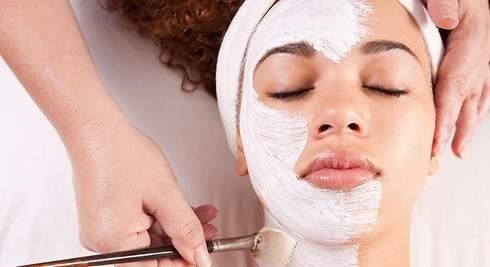 Diez trucos para mejorar tu cara con la ola de frío