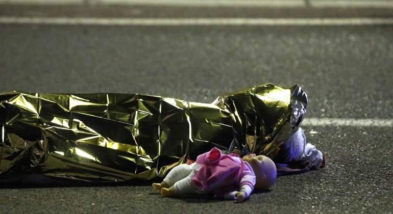 /imag/_v0/770x420/0/d/1/Niza-atentado-14julio2016-Reuters14.jpg -