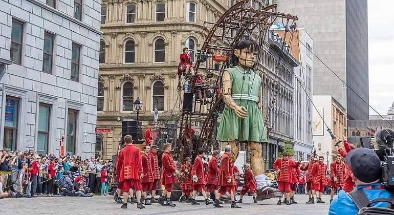 Las increíbles marionetas gigantes que tomaron Montreal